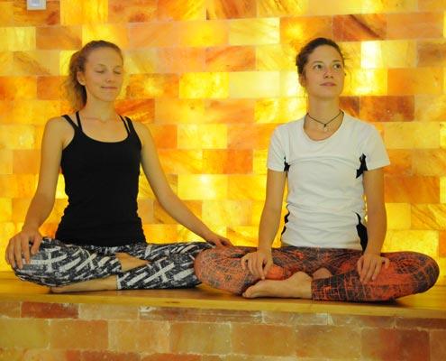 Yoga im Salzraum / Salzgrotte