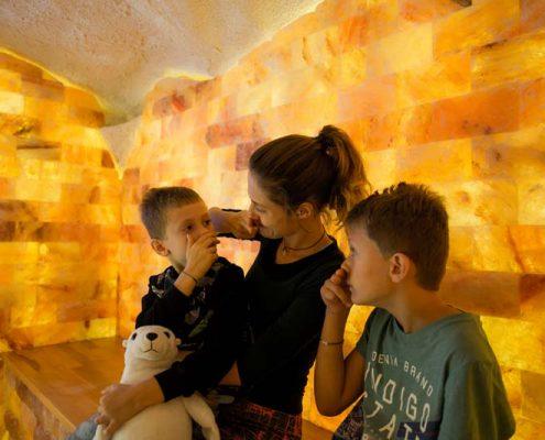 Atemübungen mit Kindern im Salzraum